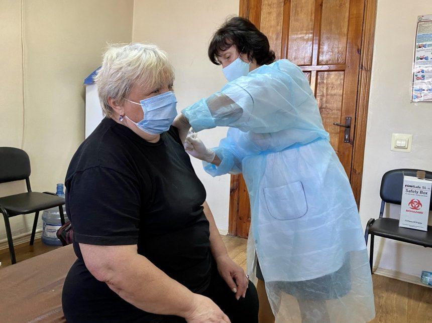 Працівникам ТОВ «Євро-Реконструкція» проводять вакцинацію від Covid-19